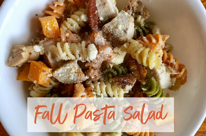 All of your favorite fall flavors come together to make the perfect lunch: fall pasta salad!